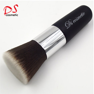 FLAT TOP FOUNDATION BRUSH BLACK