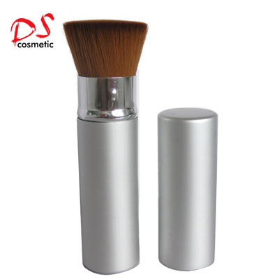 Flat top retractable foundation brush